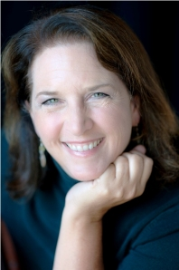 Head shot of Debra Prinzing